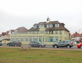 SOUTH WALES - SEAFRONT HOTEL & FUNCTION VENUE