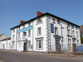 LORD NELSON HOTEL, MILFORD HAVEN, PEMBROKESHIRE - WELL APPOINTED 24 EN SUITE BEDROOM HOTEL
