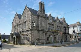 BULL HOTEL - BUSY TOWN CENTRE 22 BEDROOM HOTEL CLOSE TO A NUMBER OF BUSY TOURIST ATTRACTIONS