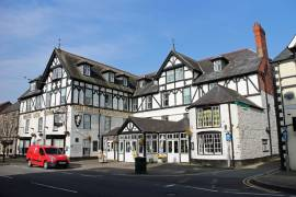 WHITE LION ROYAL HOTEL, BALA - TOWN CENTRE.  26 BEDROOM HOTEL IN SNOWDONIA NATIONAL PARK