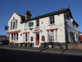SUFFOLK - 5 BED PUB WITH CAR PARK, KITCHEN & MULTIPLE OUTBUILDINGS