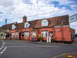 ESSEX - CHARMING VILLAGE PUB