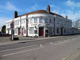 SUFFOLK - LARGE PUB WITH DEVELOPMENT POTENTIAL