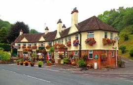 MONMOUTHSHIRE - RIVERSIDE VILLAGE HOTEL, EXCEPTIONAL INN OF ARCHITECTURAL APPEAL