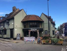 Substantial & Attractive Leasehold Pub in Aylesbury
